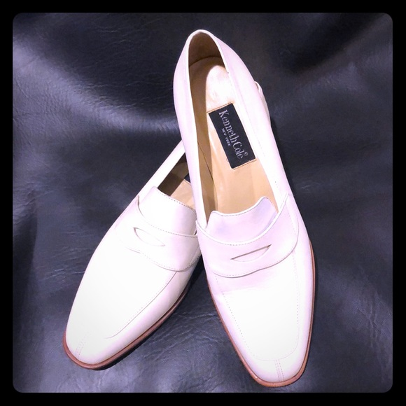 Kenneth Cole Other - Kenneth Cole Vintage Soft White Leather Loafers!